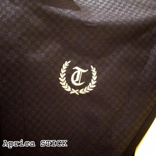 アップリカ イニシャル 刺繍