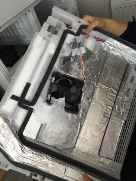 日立冷蔵庫の異音の原因「巨大な霜」