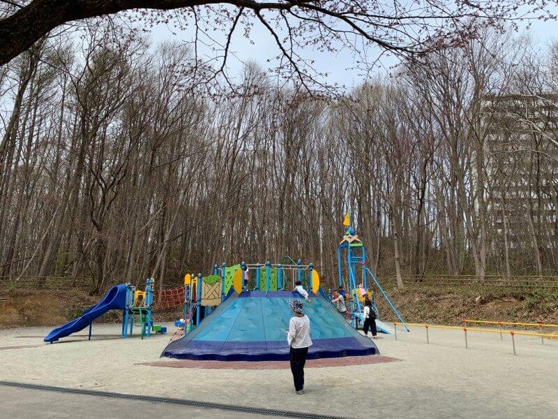 札幌市厚別区にある青葉中央公園