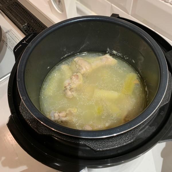 クッキングプロのレシピ(手羽元のサムゲタンスープ)