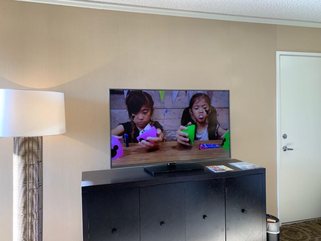 シェラトンワイキキの部屋のテレビでYouTubeが見れた