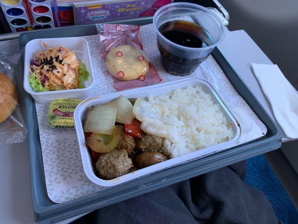ホノルルー千歳の機内食(昼食)